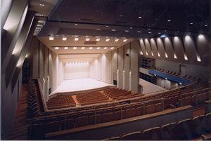 大ホールステージ