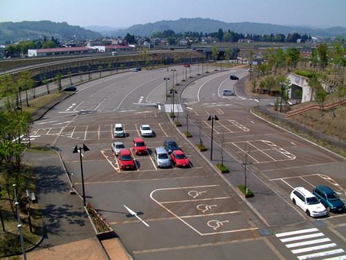 駐車場外観